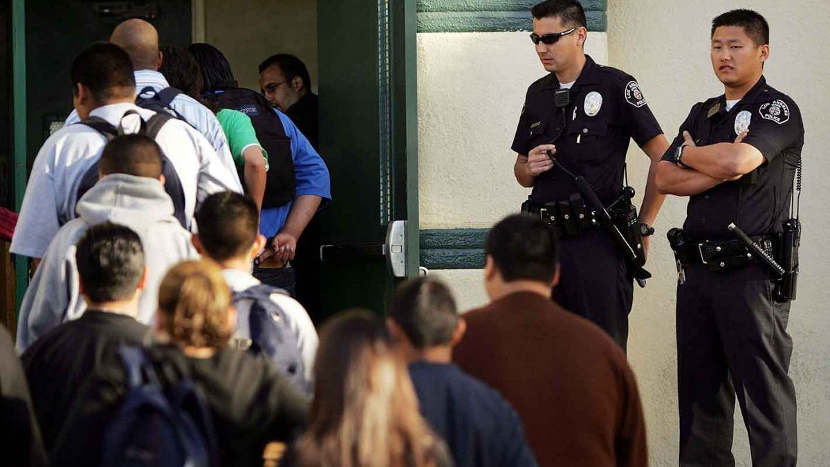 Handcuffing Little Kids May Not Be >> Why Are Cops Putting Kids In Cuffs Reason Com
