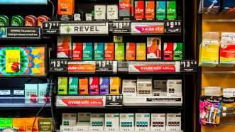 Juul-packages-5-Newscom-cropped
