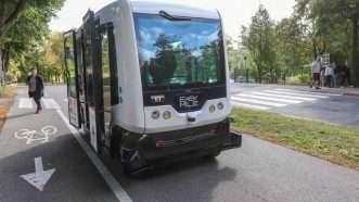 driverlessbus_1161x653