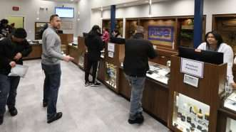 Illinois-marijuana-shop-1-1-20-Newscom