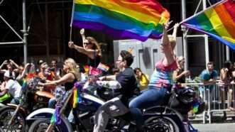 prideparade_1161x653