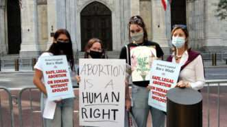 abortion-rights-protest-NYC-10-3-21-Newscom