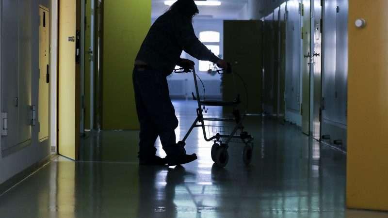 elderly-inmate