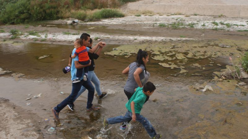 Photo of drowned migrants sparks criticism