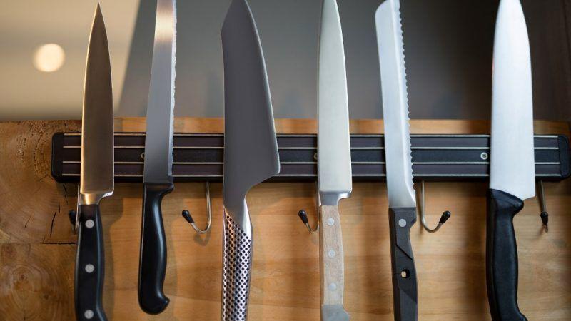 knives_1161x653