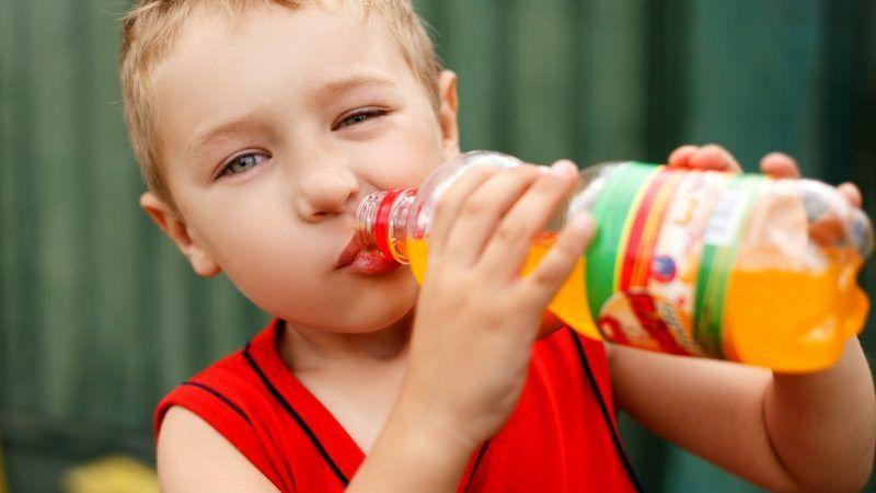 childdrinking_1161x653