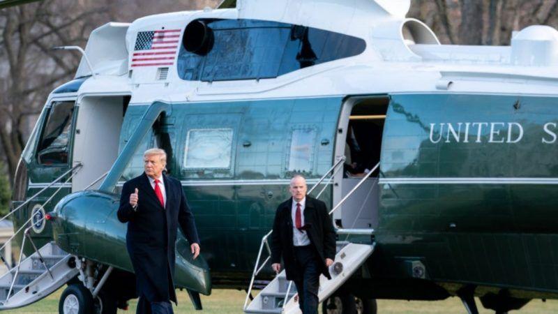 Trump-thumbs-up-WH-big