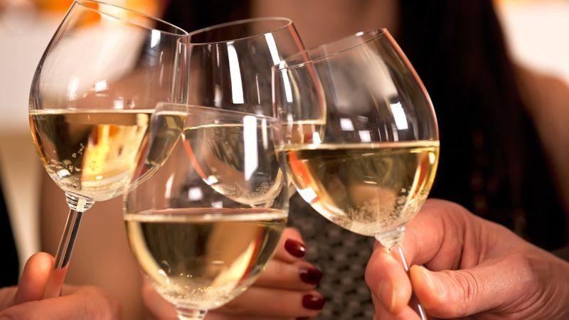 wineglasses_1161x653