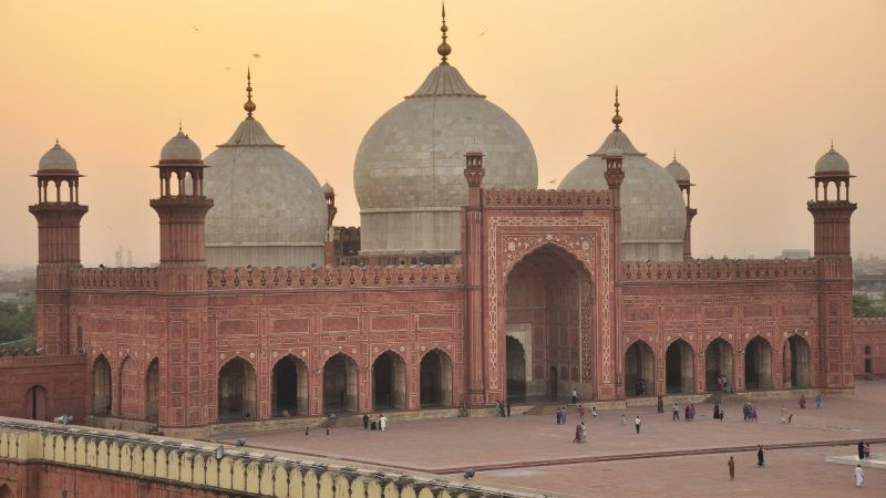 mosque_1161x653
