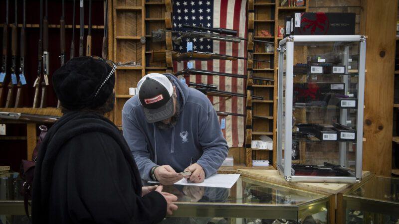 gun-store-Newscom