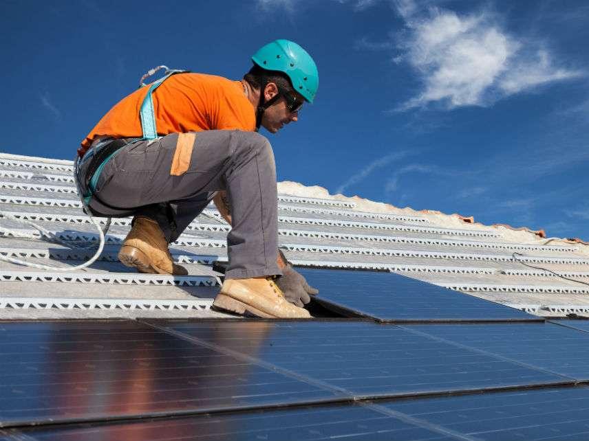 SolarPanelslifedeDreamstime