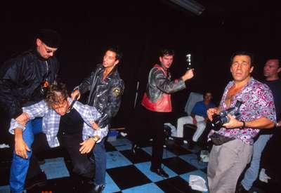 John Stagliano holding a VX100 on the set of Buda (1997). ||| (Gabriele Zero)