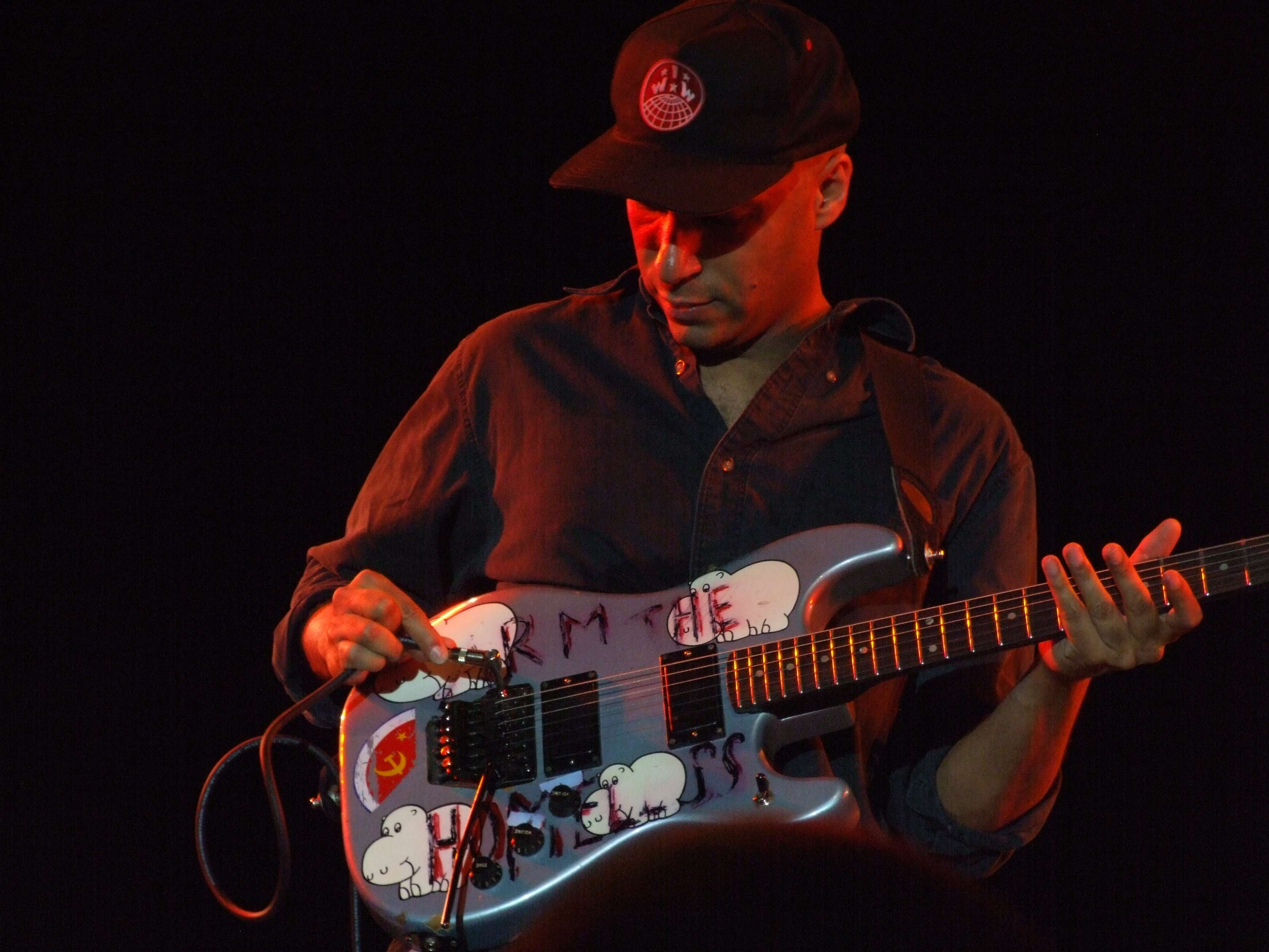 Tom Morello perfotming at Nokia Theater, New York