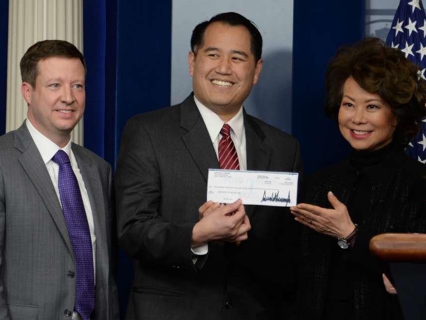 DOT Sec. Elaine Chao accepts Trump's donation