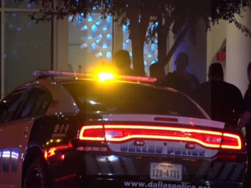 Dallas Cop Walks Into Wrong Apartment, Kills Man Inside – Reason.com