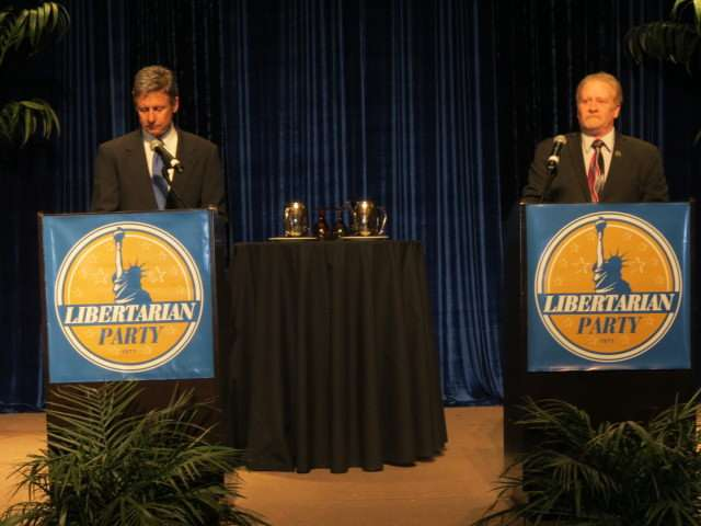 Gary Johnson debates Lee Wrights at the 2012 Libertarian Party Convention