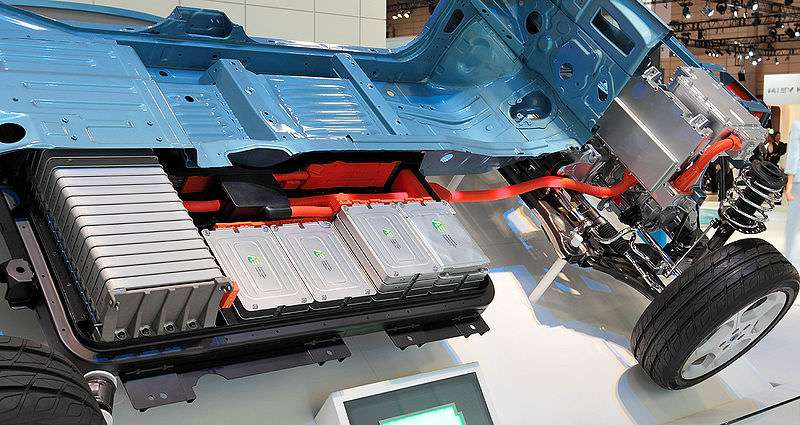 Cutaway view of a Nissan Leaf, showing the batteries