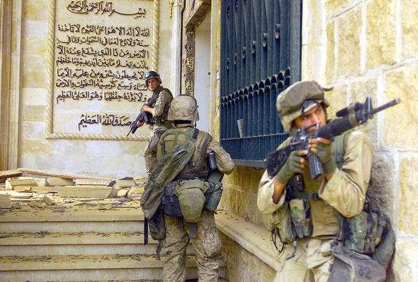 Marines in Saddams palace DM-SD-04-12222