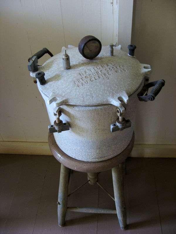 Vintage National Pressure Cooker, Eau Claire, Wis. 12