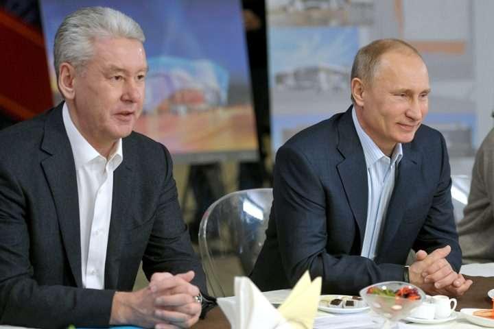 Sergei Sobyanin, left, with Vladimir Putin.