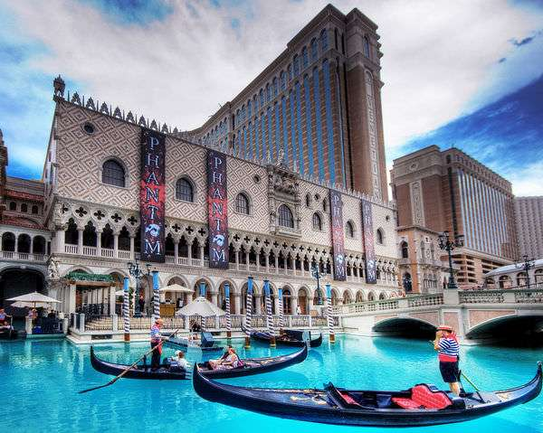 Why would you ever gamble online and give up the chance to ride in a boat across a wading pool in 100-degree temperatures?