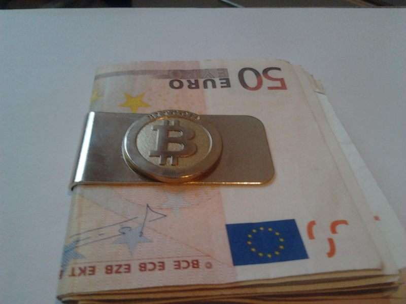 euros with a bitcoin money clip