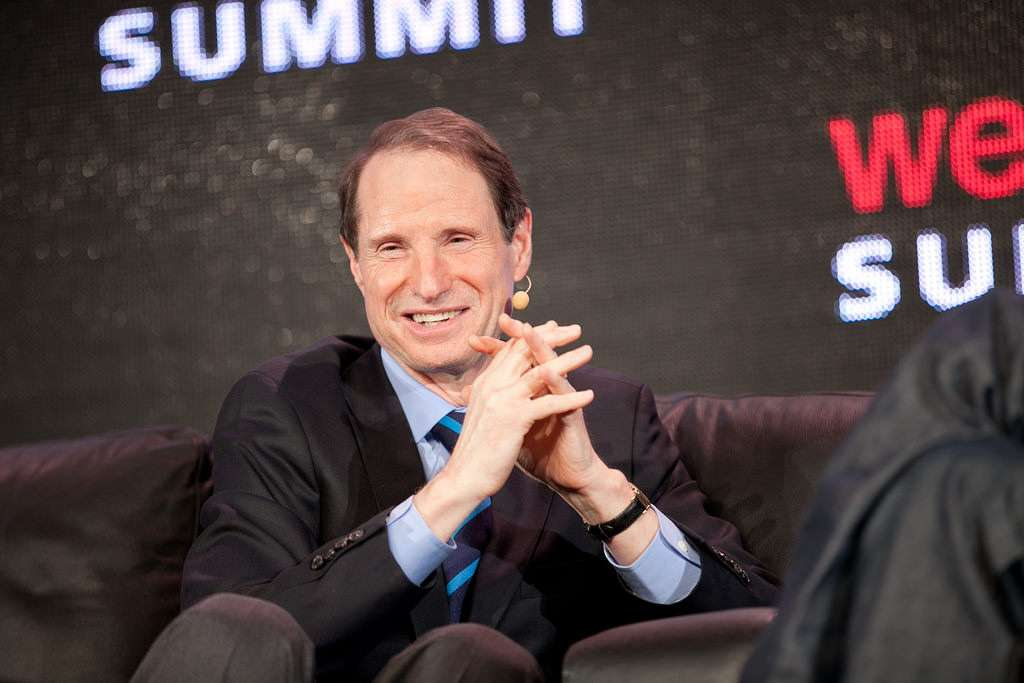 Ron Wyden, not made of straw.