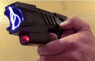Tasers are bad for your brain.
