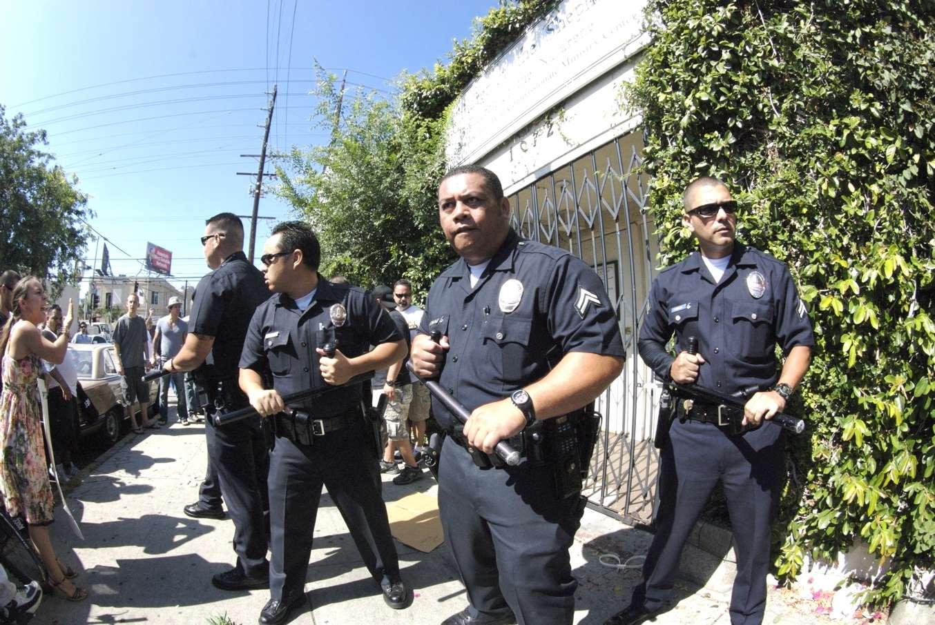LAPD De-escalation