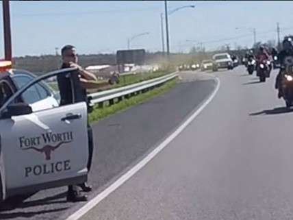 Fort Worth PD Officer Pepper Spraying Bikers