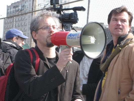 """Daniel Goldstein, marshalling the crowd at the Atlantic Yards """"groundtaking"""" ceremony."""