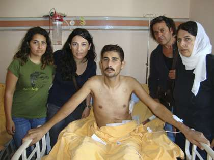 Syrian patient receives treatment in a Turkish hospital |||