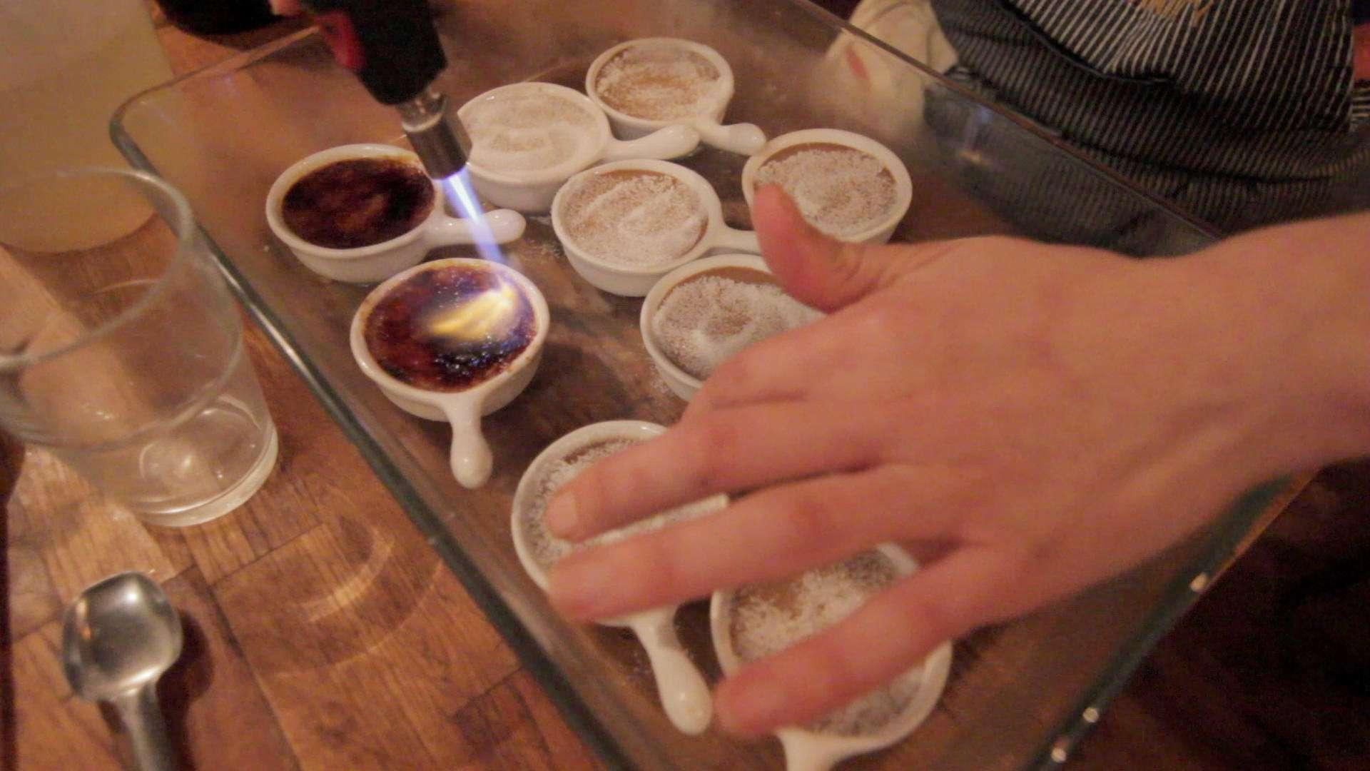 EatWith chef Ai prepares desert. |||