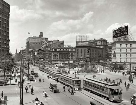 Downtown Detroit, 1917. |||