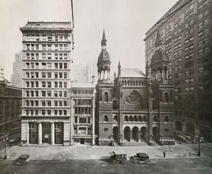 Temple Emanu-el on 43rd Street and 5th Avenue, which was demolished in 1927.