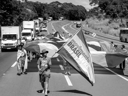 The Free Brazil Movement marched 750 miles to Brasilia to deliver an impeachment bill to congress ||| Alexandre Santos