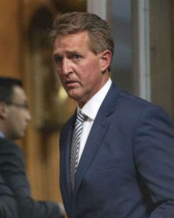 Jeff Flake's weird Friday. ||| Ron Sachs/SIPA/Newscom