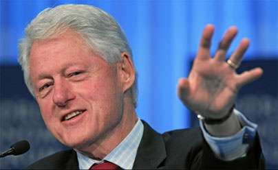 Bill Clinton squares his anti-recall campaign for Gray Davis with his pro-recall campaign for Tom Barrett.