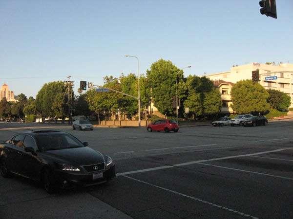 Carmageddon: Beverly Glen Blvd. empty July 15 2011.