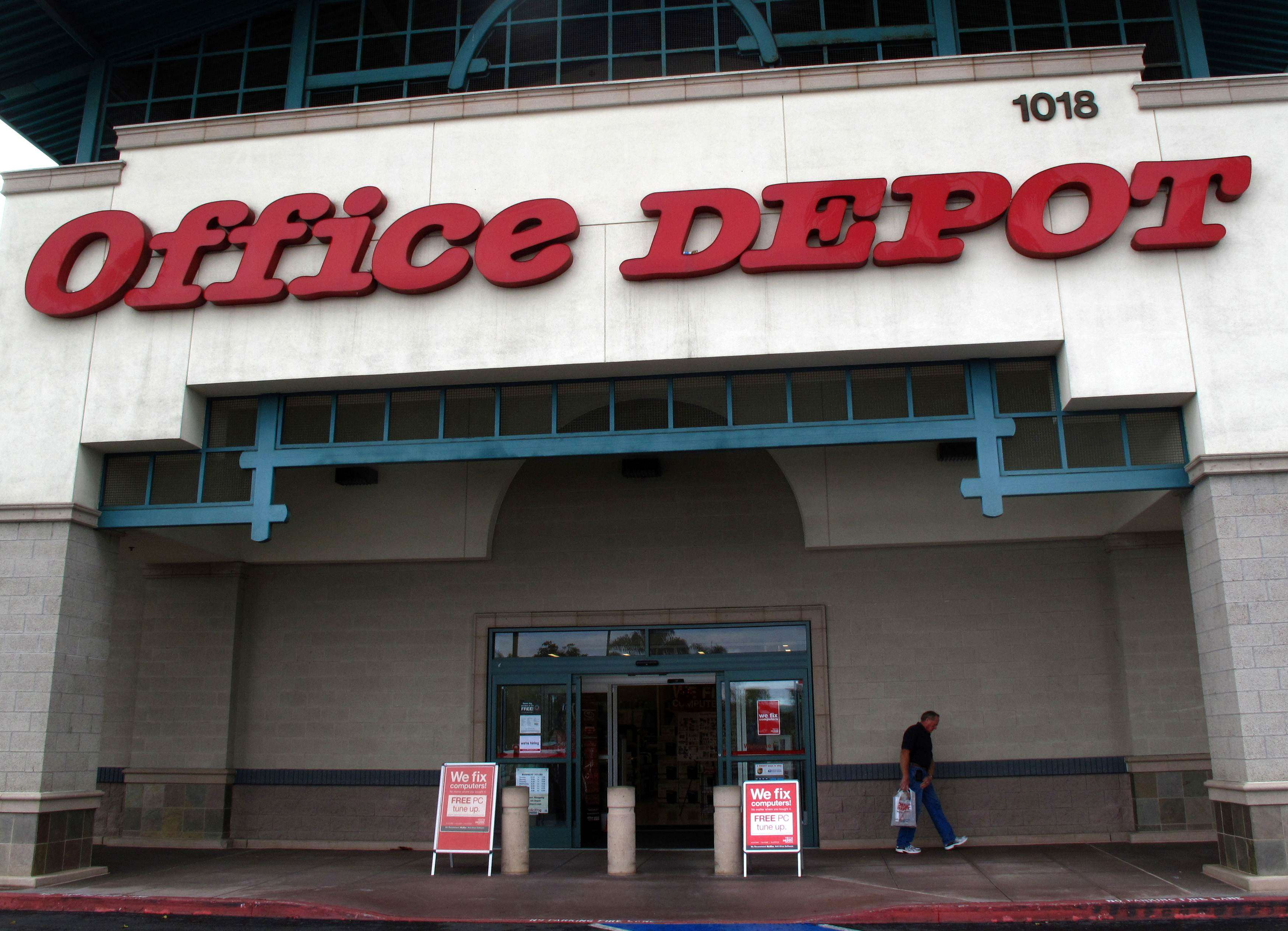 """An Office Depot store front is shown in Encinitas, California in this file photo from February 28, 2012. (REUTERS/ Mike Blake/Files)"""""""